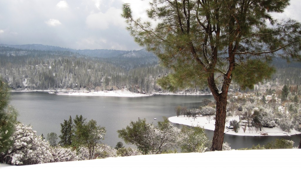 Pine Mountain Lake Snow View